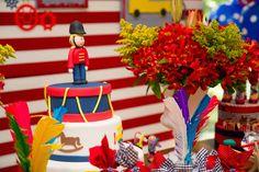 Apaixonada por esta linda Festa Fabrica de Brinquedos!!Todos os dias tem novidades para vocês!!!Imagens Mamãe Coruja Design FestasLindas ideias e muita inspiração.Uma semana maravilhosa para to...