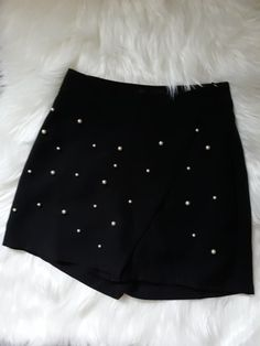 Faux pearl beaded skort All Black Fashion, Pink Fashion, Festival Outfits, Festival Fashion, Black Clothes, Colour Board, Pink Christmas, Black Heart, Online Fashion Stores