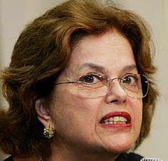 O Rescator: Ministra Dilma Rousseff será Cidadã Niteroiense. Dilma Vana Rousseff muito antes de ser presidente do Brasil