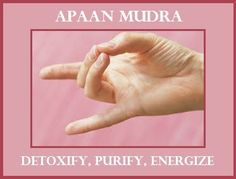 Mudras hold a special place in Yoga practise. Mudras help to enhance your physical and mental well being. You can practice mudras at any time anywhere. Psoriasis On Face, Psoriasis Arthritis, Yoga Mantras, Yoga Meditation, Reiki, Hand Mudras, Acupuncture Benefits, Acupressure Points, Reflexology