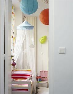 Love these paper lanterns.