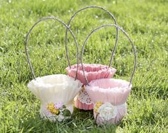Tutorial: Crepe Paper Easter Baskets or May Day Baskets Homemade Easter Baskets, Easter Baskets To Make, Easter Crafts For Kids, Easter Projects, Diy Projects, Egg Basket, Paper Basket, May Day Baskets, Easter Season