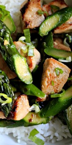 Chicken and Asparagus Stir Fry Clean Recipes, Cooking Recipes, Healthy Recipes, Clean Eating, Healthy Eating, Healthy Food, Paleo Chicken Recipes, One Pot Meals, I Love Food