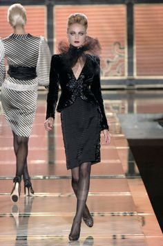 Valentino Fall 2006 Couture Collection