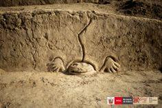Friso de sapo en el sitio arqueológico de Vichama, Végueta - Huaura