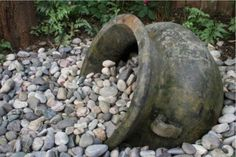 Coming across rock landscaping ideas backyard can be a bit hard but designing a rock garden is one of the most fun and creative forms of River Rock Landscaping, Landscaping With Rocks, Front Yard Landscaping, Landscaping Design, Stone Landscaping, Dry Riverbed Landscaping, Hillside Landscaping, Garden Features, Water Features