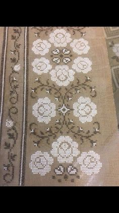 Cross Stitch Embroidery, Cross Stitch Patterns, Cross Stitch Flowers, Rugs, Projects, Crafts, Stitch Patterns, Farmhouse Rugs, Herb