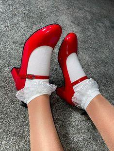 Frilly Socks, Cute Socks, Socks And Heels, Ankle Socks, Mary Jane Shoes, Sock Shoes, Crossdressers, Mary Janes, Sassy