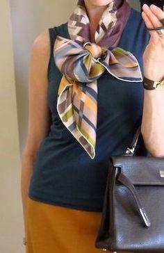 Как красиво завязать платок - 3 | Мода в шляпе | Яндекс Дзен Fashion Details, Diy Fashion, Womens Fashion, Bandana Scarf, Scarf Design, Clothing Hacks, Neck Scarves, Jacket Style, Scarf Styles