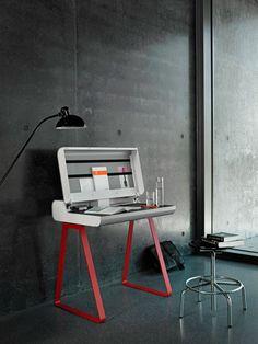 Vintage Seit fertigt die m ller m belfabrikation in Augsburg Designm bel aus Metall Der reizvolle Kontrast aus