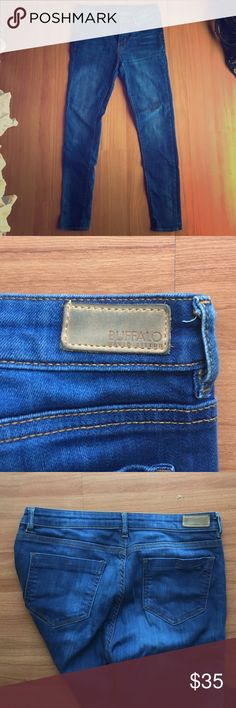 Buffalo David Bitton denim jeans blue Super cute and it great condition Buffalo David Bitton Jeans Skinny