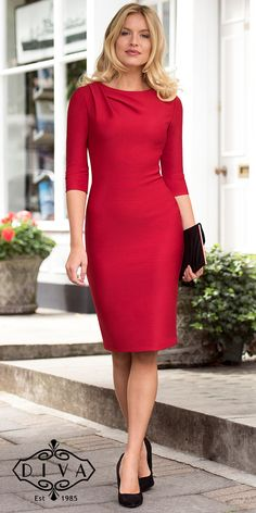 Red Pencil Dress Occasionwear - Diva catwalk - Women's style: Patterns of sustainability Elegant Dresses, Cute Dresses, Casual Dresses, Fashion Dresses, Dresses For Work, Office Dresses For Women, Maxi Dresses, Pretty Dresses For Women, Fashion 2018