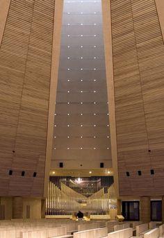 Church Santo Volto, interior wall design/Mario Botta