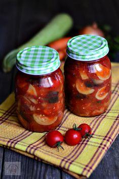 Ghiveci de legume in bulion, pentru iarna - CAIETUL CU RETETE Romanian Food, Romanian Recipes, Saveur, Canning Recipes, Preserves, Pickles, Salsa, Vegetarian Recipes, Food And Drink