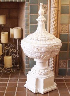 Mod Vintage Life: Huge Finial - made from a lamp base and painted white. Lamp Makeover, Furniture Makeover, Diy Furniture, Lamp Redo, Repurposed Furniture, Thrift Store Furniture, Thrift Store Crafts, Old Lamps, Repurposed Items