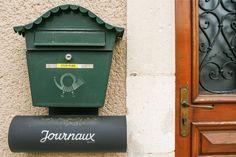 Boîte 185 - Julie Jacquot #photo #BoîteAuxLettres #LotissementsRuraux #journaux