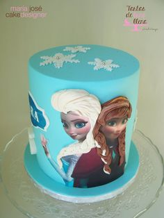 Tarta piñata Frozen - Frozen cake with surprise www.tartasdelunallena.blogspot.com maria jose cake designer