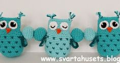 Crochet Inspiration: Owls and balls decoration for baby carriage by Svarta Huset! Source: Original Pattern by Annika at Svarta Huset, this version is an english translation by Stitches and Supper. Crochet Bebe, Crochet Toys, Free Crochet, Knit Crochet, Owl Crochet Patterns, Owl Patterns, Baby Mobile, Pencil Toppers, Ball Decorations