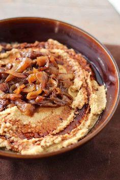Balsamic Carmelized Onion Hummus 19 Easy And Delicious Hummus Recipes Chutney, Delicious Hummus Recipe, Hamburger Vegetarien, Whole Food Recipes, Cooking Recipes, Carmelized Onions, Good Food, Yummy Food, Appetizer Recipes
