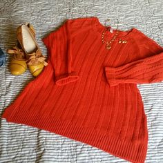 "J. Jill Orange Sweater This is practically new. Wore it once. No Pilling or pulls that I can see. It is a petite medium size, but I am 5'9"" & it worked on me. The sleeves look like 3/4 on a tall person. Great for showing off your bracelets. 70% polyester & 30% wool. J. Jill Sweaters Crew & Scoop Necks"