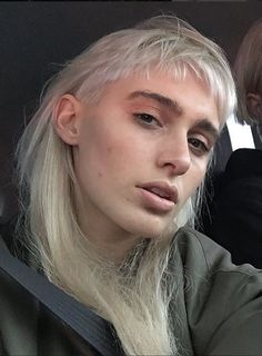 """When the """"natural selfie"""" works. Mullet Hairstyle, Mullet Haircut, Hair Inspo, Hair Inspiration, Hippie Vintage, Cut Her Hair, Hair Tattoos, Haircut And Color, Grunge Hair"""