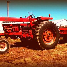 Do you think 1967 Farmall 806 deserves to win the Steiner Tractor Parts Photo Contest?  Have your say and vote today for your favorite antique tractor photos!