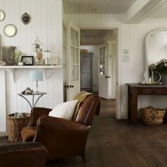 Creating Coastal Farmhouse  chic I am designing a 1000 square foot beach cottage using these photos as my inspirazione. Cottage chic.  Comb...