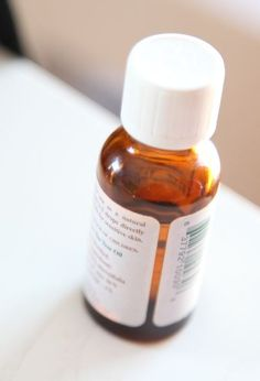 Why Tea-Tree Oil Should be in Every Medicine Cabinet