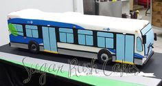 City bus cake by Sugar Rush Cakes aka La Montée de Sucre
