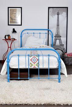 Łóżko metalowe Babuni niebieskie niebieskie vintage