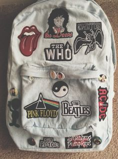 Bag: denim backpack band pink floyd the rolling stones grunge rock. Estilo Grunge, Grunge Goth, Grunge Style, 80s Punk, Denim Backpack, Backpack Bags, Grunge Backpack, Backpack With Pins, Denim Bag