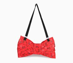Hello Kitty Shoulder Bag: Red Ribbon
