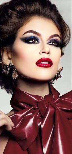 Kaia Jordan Gerber, Kaia Gerber, Shades Of Burgundy, Burgundy Wine, Lovely Eyes, Glamour Shots, Model Outfits, Purple Lilac, Magenta