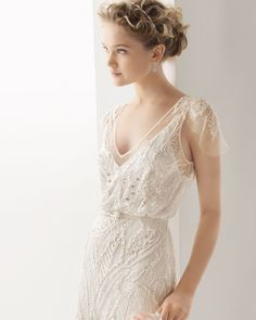 UK 2015 Sweet A-line V-neck Lace with Tulle Chapel Train Wedding Dress Free Shipping in uk Store