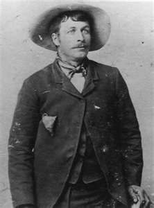 -Sun Dance Kid- a far cry from the handsome Robert Redford, who played his character in Butch Cassidy & the Sundance Kid Lol! Us History, American History, Wild West Outlaws, Famous Outlaws, Old West Photos, Sundance Kid, Into The West, American Frontier, Jesse James