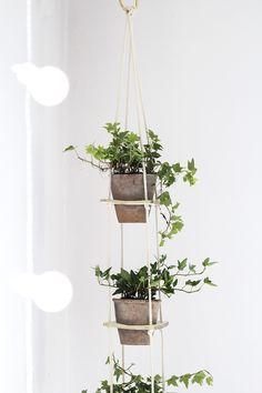 hanging tiered planter