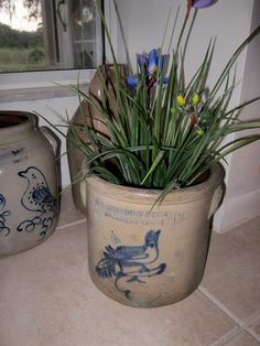 Danbury, Connecticut jug with flowers