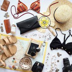Fleeing the cold :bikini: @laurenaustralia #flatlayapp #holidayseason #december #fashion #blogger #fblogger #flatlaytoday #cozy #coffee #coffeelover #potd #ootd #motd #beauty #love #onthetable #thegramgang #fun #vsco #cookies #tuesday #white #onthebed #bag #christmastime #love #summer #sun #vacation #flatlay #flatlays #flatlayapp www.flat-lay.com