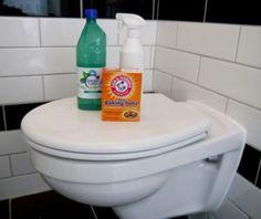 Duurzaam schoonmaken #4 - WC-reiniger. Goedkoop, milieuvriendelijk, ecologisch verantwoord, milieubewust toilet reinigen. Baking soda, azijn. Green Cleaning, House Cleaning Tips, Diy Cleaning Products, Cleaning Hacks, Homemade Products, Toilet Cleaning, Bathroom Cleaning, Baking Soda Shampoo, Whitening Kit