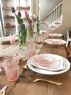 A Spring Brunch Tablescape with pink depression glass and tulips. Perfect for an Easter Brunch or Mother's Day Brunch. Feminine tablescape with pink. day tablescapes brunch Pin on Pretty Tables Blue Table Settings, Beautiful Table Settings, Place Settings, Vintage Dishes, Vintage Glassware, Glass Table Set, Pink Dishes, Brunch Decor, Pink Depression Glass