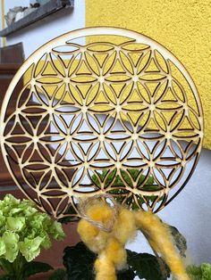 Freue mich, euch diesen Artikel aus meinem Shop bei #etsy vorzustellen: Gartendeko Blume des Lebens, Gartendeko Vintage, Gartendekoration, Holz Dekoration