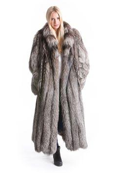 Fur Fashion, Fashion Outfits, Womens Fashion, Fox Collection, Fox Fur Coat, Fur Coats, Fabulous Fox, Langer Mantel, Style Guides