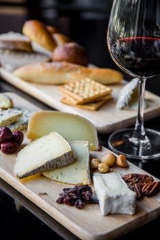 Cheese platter |  Image source: Pexels.com