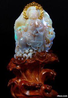 Australian Opal Carved Crystal Kwan-yin With 8.3g 24k Gold