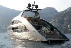 Hourly cruises over the picturesque lake on The Ocean Emerald