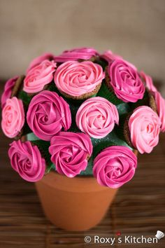 Easy Rose Cupcake Bouquet - Perfect handmade Mother's Day gift idea!