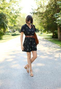 fashion blog, little black dress, Jessica Quirk wears a vintage black dress with brown belt.