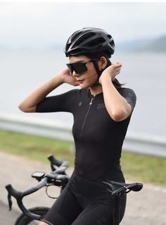SKULL MONTON 2020 best summer cycling jersey cool online for sale. Breathable womens plain black cycling jersey for hot weather full zip. Women's Cycling Jersey, Cycling Jerseys, Zwift Cycling, Bmx Cycles, Cycling Outfit, Cycling Clothes, Bicycle Workout, Cycling Girls, Bicycle Women