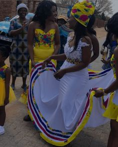 Beautiful Yellow Tsonga Bridesmaid's Dress 2020 Ankara Gowns For Wedding, African Print Wedding Dress, African Wedding Attire, African Attire, Pedi Traditional Attire, Zulu Traditional Wedding, Tsonga Traditional Dresses, South African Traditional Dresses, Couples African Outfits