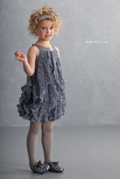 ALALOSHA: VOGUE ENFANTS: Once upon a Christmas dream, little ones took to their wardrobes for that perfect Holiday Biscotti look…
